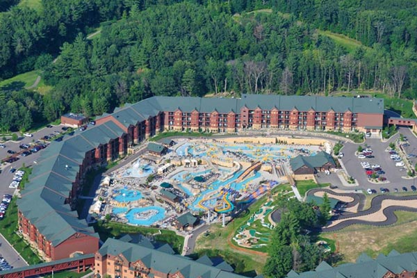 Top down view of the Glacier Canyon Lodge at Wilderness Resort in Wisconsin Dells with Water Park 600