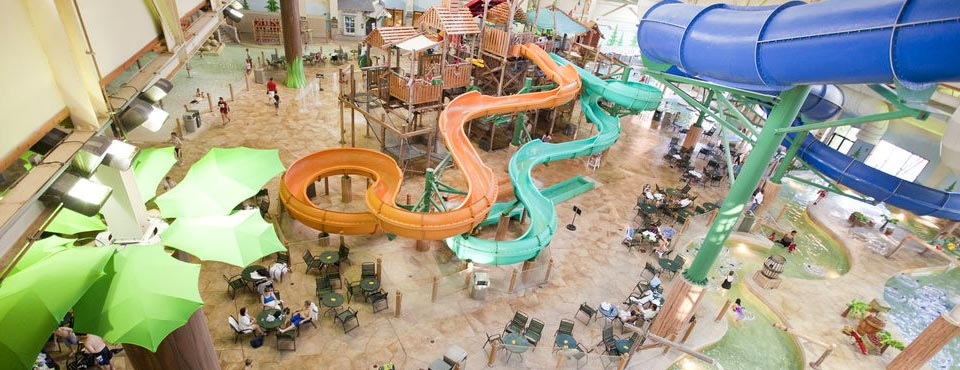 View of the Great Wolf Lodge in Wisconsin Dells Indoor Water Park overview 600