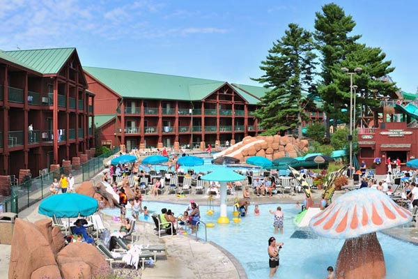 View of the Outdoor Water Park at the Wilderness Hotel in Wisconsin Dell Wilderness Resort 600