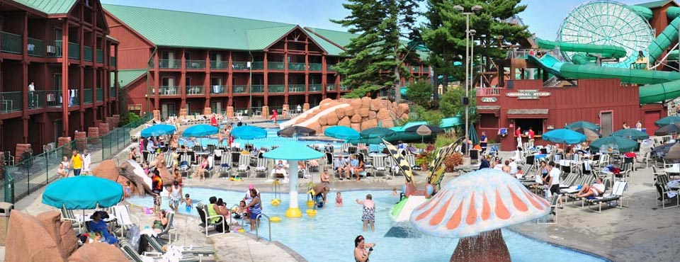 View Of The Outdoor Water Park At Wilderness Hotel In Wisconsin Dell Resort 960